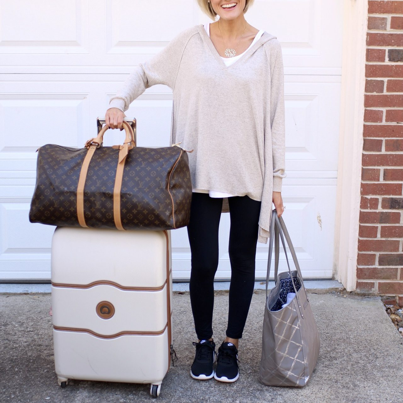 Travel Guide – What to Wear + Packing Tips