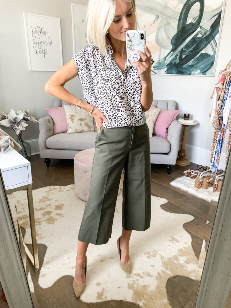 business casual cute workwear outfit idea for summer