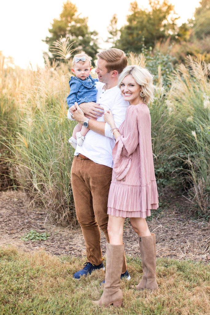 what to wear family pictures boho casual outfit ideas with baby